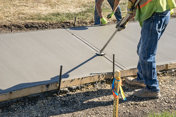 there are pros and cons between asphalt and concrete sidewalk